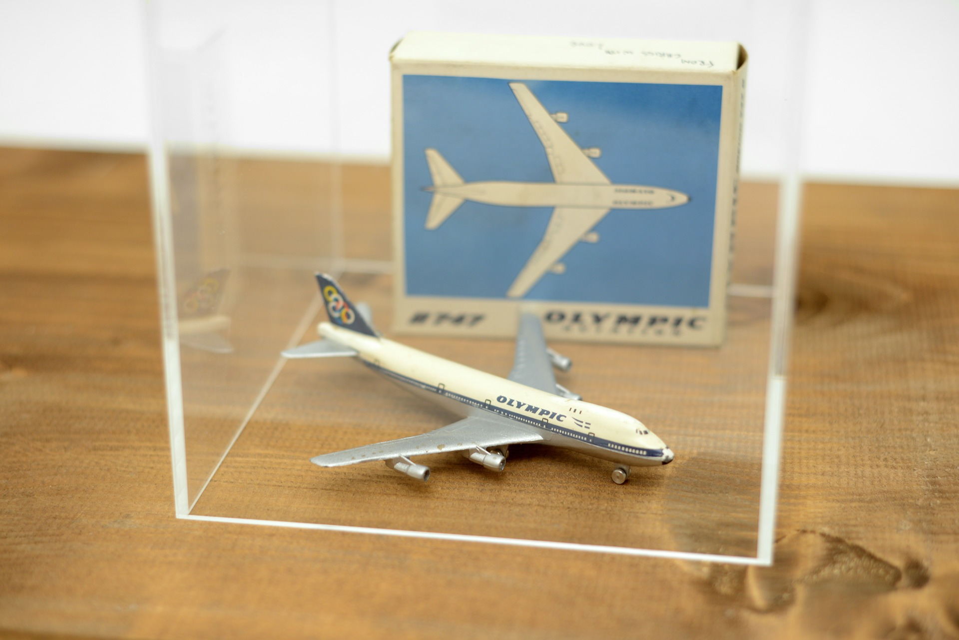 1990s Olympic Airways Boeing 747 diecast scale 1:600 aircraft model made in Germany by Schuco